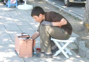 Yaz Tatili ile Birlikte Çocuklar Sokaklarda Seyyar Satıcılığa Başladı