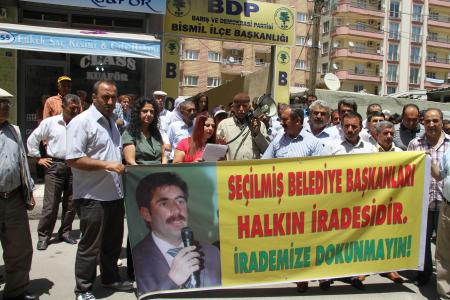 Bismil'de Van'daki tutuklamalar protesto edildi