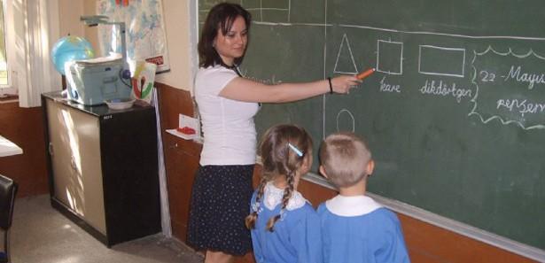 Öğretmen açığı bitiyor, boş ders tarih oluyor