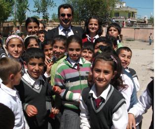 Tepe Beldeye başkanı Ahmet Çelebi, Tepe beldesinde Bahçelievler mahallesine okul ihtiyacı olduğunu söyledi