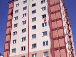 Eşini ve sevgilisini 4. kattan attı