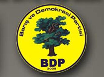 BDP Konvoyu Diyarbakır'da Durduruldu