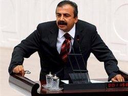BDP'li Önder'den başörtüsü önergesi