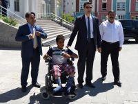 Kaymakam Gülenç, Engelli Vatandaşın Yüzünü Güldürdü