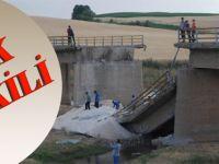 Vatandaşlar Yıkılan Köprü Yüzünden Tepkili