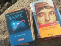 Boş arazide silah ve Gülen'e ait kitaplar bulundu