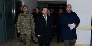 Vali Aksoy saldırıda yaralanan polisleri ziyaret etti