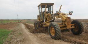 Bismil'deki Köy Yolları Yapılıyor