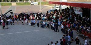 Yetim-Der, Diyarbakır'da yaptığı toplu düğün töreniyle 22 çifti evlendirdi.