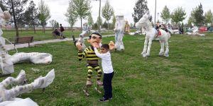 Masal Parkı'nın Kahramanları Yerlerini Almaya Başladı