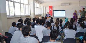 Okullarda bilinçlendirme semineri verildi