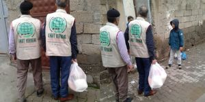 Umut Kervanı Vakfı'ndan Bismil'deki 25 Aileye Yardım Eli
