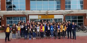 Bismil Belediyesi Kız Öğrencileri 'Tarihin En Şanlı Yazıldığı Yerlere' Uçuruyor