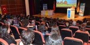 """Diyarbakır'da """"Farmostik Bilimler Sempozyumu"""" düzenlendi"""