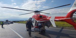 Diyarbakır Ambulans Helikopter, Kazada Yaralananlar İçin Yola İndi