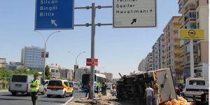Kamyonet ile otomobil çarpıştı: Biri ağır 2 yaralı