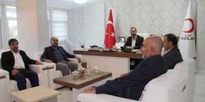 HÜDA PAR Diyarbakır İl Başkanlığından Kızılay'a ziyaret