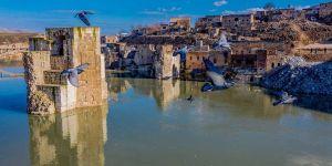 Antik kent Hasankeyf baraj sularına gömülmeye başladı