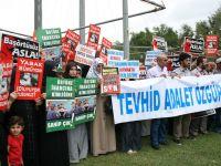 AÜ'deki Kanunsuz Yasak Protesto Edildi